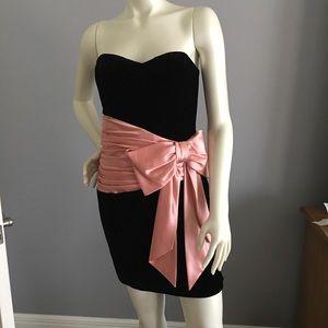 💥SALE💥Betsey Johnson black velvet dress size 4🌹